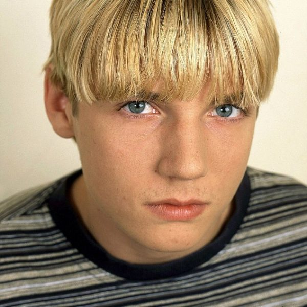mens bowl cut hairstyle
