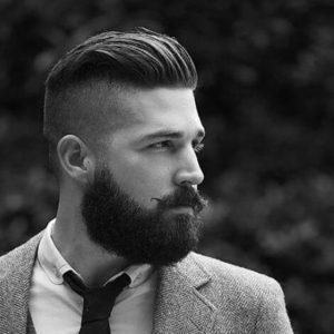 slicked back undercut Frizuri populare pentru bărbaţi în 2018 Frizuri populare pentru bărbaţi în 2018 slicked back undercut 300x300